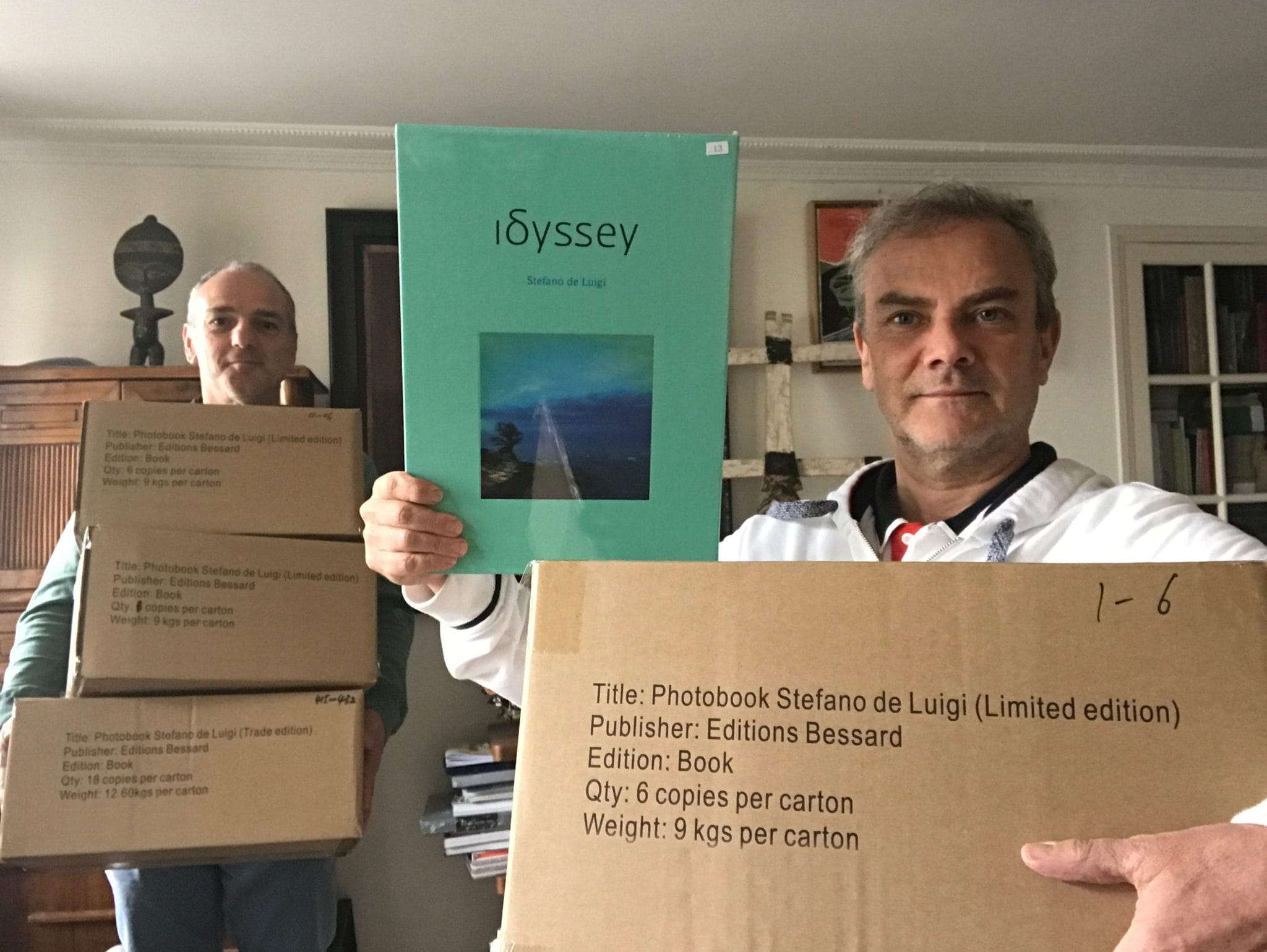 Finally #Idssey has arrived after a long trip on boat, Stefano De Luigi and Pierre Bessard the warehousemen, workmen of the book, discharge the boxes 12,6 kg (trade edition) & 9 kg (artist edition) each, a limited edition of 500 copies, all photobooks arrived by plane was sold out, it was time that they arrive. Editions Bessard available on our website Now! with a signed c print…