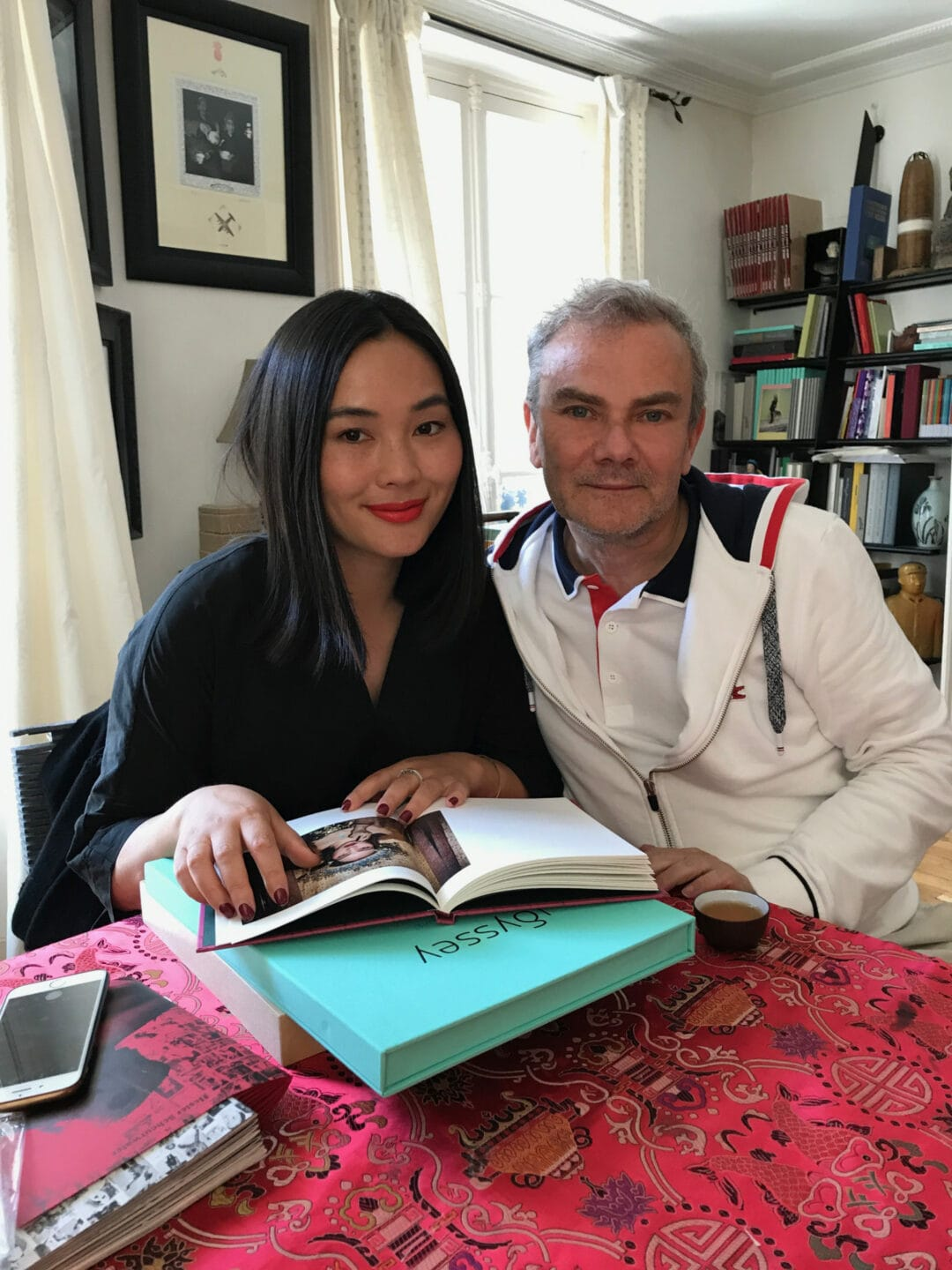 Happy to see my good Chinese friend Luo Yang at home, happy to be his first publisher and happy/glad to see all the work which it achieved since… Editions Bessard