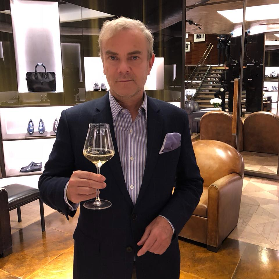 Pierre Bessard 1 octobre ·   #InModeChampagne Ruinart – Paris rue Saint Honoré, private party Berluti-Ferrari #HappyPublisher