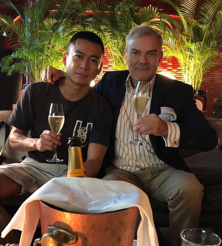#InModeChampagne,#VeuveClicquot, Les Bains Douches with my friend Zhipeng Lin, « #Sour Strawberries » Limited Edition include a signed C Print our last #Photobook, text Michel Costagutto design Joanna Starck. #Editions Bessard #HappyPublisher #ArtOfPerfection