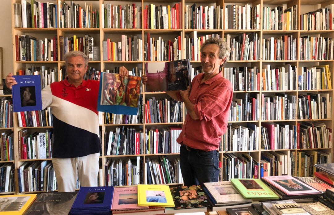 After the economic disaster of Covid19, cancellation of many photography festivals or Bessard editions was present, I visit my collectors and booksellers in the south of France! In picture with John Doe Books bookstore in the luberon with almost 5000 titles of photo books including all our published authors!